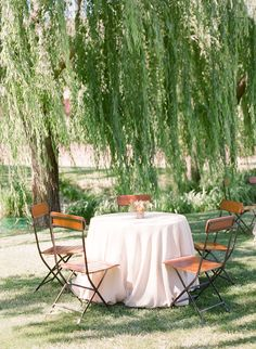 Elegant Picnic Wedding with a Fresh Color Palette Garden Inspiration, Wedding Inspiration, Reception Decorations, Table Decorations, Dorm Life, Living Styles, Outdoor Furniture Sets, Outdoor Decor, Event Design