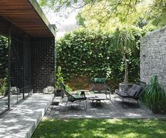 Low garden furniture works well in author Alice Nelson and her husband Danny's small but perfectly formed outdoor space. The couple saw… Perth, Small Gardens, Outdoor Gardens, Vertical Gardens, Tropical House Plants, Ivy Wall, Gazebos, Victorian Gardens, Farmhouse Garden