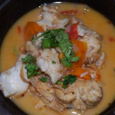 How to make a Traditional Chilean Fish Stew - Caldillo de Congrio This recipe uses Conger Eel which is very popular in Chile however you could use a different white fish Serves 4 Eel Recipes, Chilean Recipes, Chilean Food, Seafood Cioppino, Baking Science, Latin American Food, Fish Soup, Cornbread Dressing, Comida Latina
