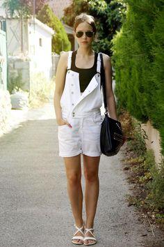 Wait!!!!!!! Overalls r comin back?!?!?!?!?!?   Get this look (shorts, sandals) http://kalei.do/WsojtzNp45VJZy7y