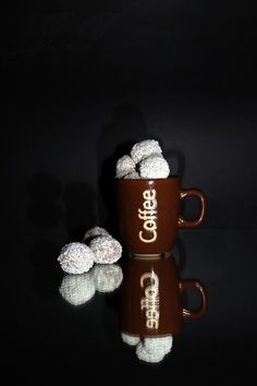 Sladký a slaný::Dulce y salado — Kávové lanýže :: Trufas de café Nescafe, Mugs, Chocolate, Coffee, Tableware, Tumblr, Food, Instagram, Truffles