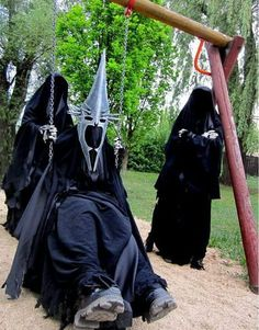 Dork Info's Geek Humor Lord of the Rings Witch King costume Legolas, Aragorn, King Costume, Funny Memes, Jokes, Movie Memes, Movie Quotes, Funny Quotes, Memes Of The Day