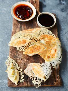 Prawn Dumplings, Dumpling Recipe, Dim Sum, Friday Night Feast, Seafood Recipes, Cooking Recipes, Asian Recipes, Ethnic Recipes, Chinese Recipes