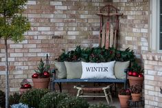 Tracy's Trinkets and Treasures Blog...this is Tracy's Christmas porch decore...I love it!