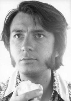 Michael Nesmith, absolute sideburn perfection.