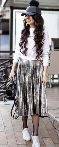 Silver Side Zipper Pleated Skirt