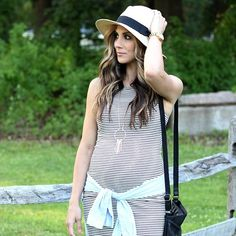 Stripes, fedora, tie-off mint sweatshirt. This look is perfection, @laurmcbrideblog!