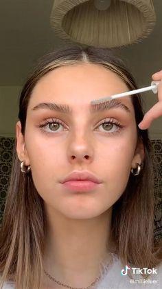 Natural Everyday Makeup, Natural Eye Makeup, Natural School Makeup, Makeup Looks Everyday, Subtle Eye Makeup, Natural Makeup For Blondes, Natural Summer Makeup, Natural Eyebrows, Dramatic Makeup