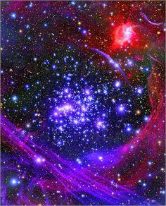 Faszination Universum: In Milliarden von Galaxien überall im Weltraum entstehen in über hunderte von Jahren neue Sterne. Wer kein Weltraumteleskop besitzt, hängt sich einfach ein tolles Kunstposter ins Zimmer!