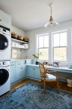 The Laundry Room with Home Office in shades of blue, as seen on HGTV Canada's Sarah off the Grid, by Sarah Richardson Design. Photography by Stacey Brandford. Room Design, Laundry Mud Room, Small Spaces, Home, Small Room Design, Laundry Room Decor, Room Remodeling, Small Room Bedroom, Interior Design