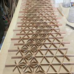 Japanese Woodworking, Woodworking Wood, Woodworking Projects, Glass Design, Door Design, Wall Design, Wood Patterns, Textures Patterns, Moroccan Design