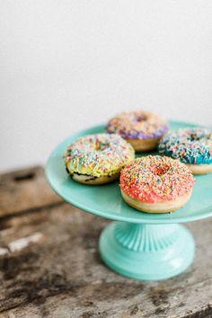 beloved – das Hochzeitsfestival für trendige Brautpaare Doughnut, Cookies, Breakfast, Desserts, Food, Newlyweds, Crack Crackers, Morning Coffee, Tailgate Desserts