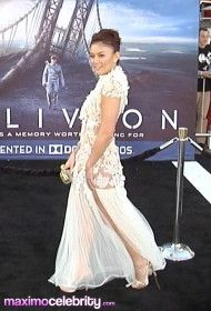 Agnes Monica Black Carpet Indonesian Singer And Actress Arrives At Oblivion Premiere In Los Angeles Video