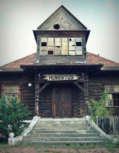 Zwiedzaj Polskę : Ginące zabytki – dąbrowski Hubertus