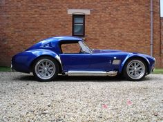 AC Cobra 427 An unlikely alliance between AC Cars, a traditional British car maker, and Carroll Shelby, a charismatic Texan racer, produced the legendary AC [...]