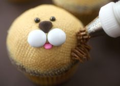 tips for smooth cupcakes. Zoo Animal Cupcakes, Jungle Cupcakes, Kid Cupcakes, Birthday Cupcakes, Cupcake Cakes, Themed Cupcakes, Cupcake Ideas, Lion King Cupcakes, Lion Baby Shower