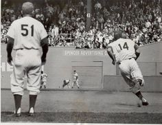 Polo Grounds, Manhattan, NY, May 16, 1962 - The Mets Gil Hodges rounds first base and on his way to an inside-the-park home run. The round-tripper against the Chicago Cubs tied the game at 5-5 in the 8th inning and the Mets would win it in the 10th on a Felix Mantilla single scoring John DeMerit with the winning run. The win would improve the Mets record to 9-18 while the Cubs would drop to 9-23. Polo Grounds, Park Homes, New York Mets, Dodgers, Chicago Cubs, Growing Up, Baseball, Manhattan, Drop
