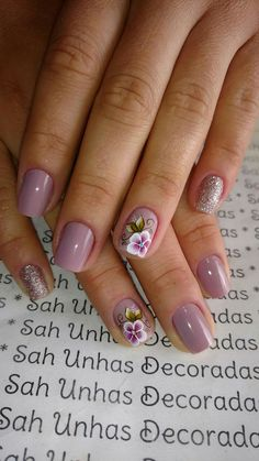 As melhores unhas com Esmalte Fosco ou Matte is part of Almond nails Bright Art Designs - Almond nails Bright Art Designs Fancy Nails, Pretty Nails, Flower Nails, Flower Design Nails, Manicure And Pedicure, Manicure Ideas, Gel Nail Designs, Fabulous Nails, Creative Nails