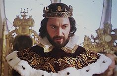 richard armitage as king oleron in 'alice through the looking glass'