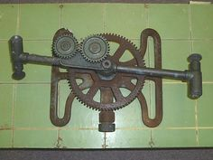VINTAGE ANTIQUE SKINNER LAWN SPRINKLER CAST IRON GEARS BRASS ARMS PAT PEND OHIO…