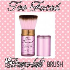 Too Faced Kabuki Brush Retractable Bronze-buki bush creates a skin-perfecting airbrush look that would be the envy of any A-lister. Longer-length fibers pick up the ideal amount of color while shorter bristles expertly buff & blend for a professionally-polished glow. New, never used, no box. No Trades. Price firm unless bundled. All sales final. Ask questions prior to purchasing. Thanks for visiting & Happy Poshing! Too Faced Makeup Brushes & Tools