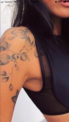 Ideas For Tattoo Leg Girl Classy Beautiful Lotusblume Tattoo, Maori Tattoos, Marquesan Tattoos, Tattoo Motive, Leg Tattoos, Body Art Tattoos, Shoulder Piece Tattoo, Shoulder Tattoos For Women, Sleeve Tattoos For Women