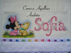Cores e Agulhas: Toalhinha Infantil Pintada Chrochet, Fabric Painting, My Works, Toy Chest, Baby Shower, Disney, Crafts, Interior, Toddler Towels