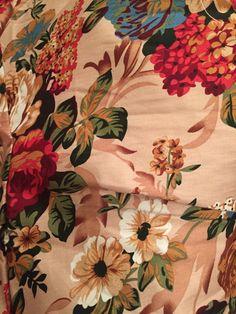 title:Вот что мне пришло с  AliExpress!;content:Отличное платье! Но мне в груди 85c)  великовато, буду ушивать. Ткань отличная, очень качественная и яркая, швы ровные, нитки не торчат, запаха нет.