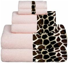Giraffee  Soft Pink Animals Bordering Africa Bath Towels.  $11.00 - $27.00     SALE $10.00 - $24.00