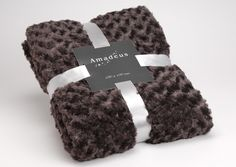 Plaid Amadeus chocolat 130 x 170 sur lmladeco.com