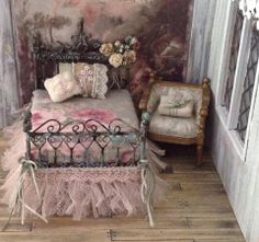 Dollhouse romantic room ~ Lace Roses Bed