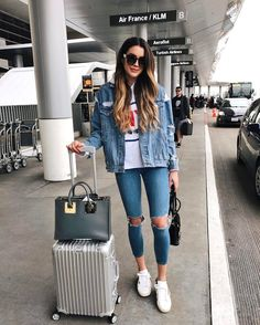 "4,795 curtidas, 71 comentários - Brittany Xavier (@thriftsandthreads) no Instagram: ""Off to Paris! (most of my luggage not pictured ) ✈️"""
