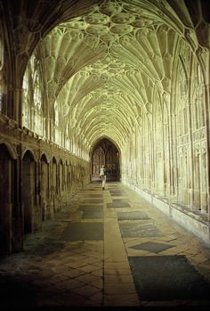 wanderthewood:Gloucester Cathedral, England bychildishToy* enchantedengland: Gloucester (pronounces GLOS-ter) is a cathedral city and the c…