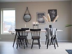 Spisebord - DIY   HVITELINJER Exterior Design, Interior And Exterior, Dining Room, Dining Table, Kitchen Interior, Diy And Crafts, House Design, Furniture, Home Decor