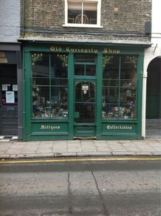 Old Curiosity Shop via @marfolly