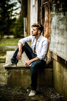 38 Best Photography Pose For Man - Photography Best Poses For Men, Good Poses, Best Photo Poses, Poses For Photos, Poses Pour Photoshoot, Men Photoshoot, Male Models Poses, Male Poses, Portrait Photography Poses