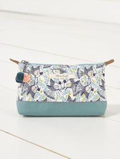 802ce8a7cd7517 ARIBA BIRD MAKE UP BAG Gifts For Mum