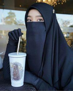 Hijab Niqab, Muslim Hijab, Stylish Hijab, Hijab Chic, Islamic Girl Pic, Cute Korean Fashion, Moslem, Hijab Style Tutorial, Niqab Fashion
