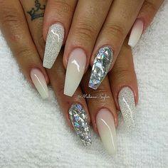 #naglar #nails #nagelförlängning #gelenaglar #naglargbg #naglargöteborg #gbg… Diy Nails, Cute Nails, Pretty Nails, Nails And Beyond, Summer Holiday Nails, Crazy Nails, Nail Pops, Silver Nails, Gel Nail Designs