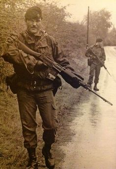 British Armed Forces, British Soldier, British Army, Troops, Soldiers, Military Weapons, Military Art, Northern Ireland Troubles, Army History