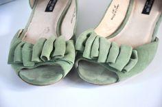 pastel green flat sandals//