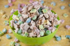 St. Patrick's day leprechaun bait chex party mix! This would be a really great treat for teacher gifts/parties for your kids' school, party favors, a snack, or dessert! It's so easy to make, kids can help, and it's super festive for St. Paddy's Day.