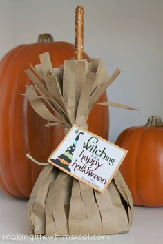 Make your own broomstick treat bags! So fun to put Halloween treats in! www.makinglifewhimsical.com #halloween #witch #broomsticks
