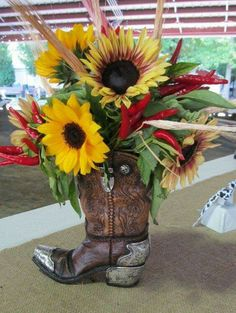 Western Cowboy Boots Planter Vase for Western Horse Decor OFF – DowntownTop. Cowboy Theme Party, Cowboy Birthday Party, Horse Party, Diy Birthday, Horse Birthday, Tema Cowboy, Western Cowboy, Cowboy Boots, Cowboy Boot Centerpieces
