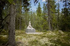 Just like the renowned recluse would have wanted, this statue is all alone, deep in a Swedish forest.