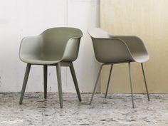 muuto-fiber-chair-wood-base #dustygreen colour