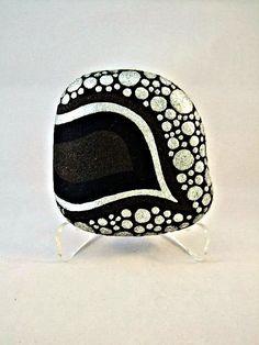 Único objeto del arte 3D OOAK Rock pintado negro por IshiGallery