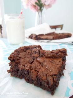 """Fudge Brownies From Scratch--delicious and fudgy--used 1/4c coconut oil and 1/4c unsweetened applesauce for 1/2c """"oil"""" called for.....would be perfect with ice cream! ---> http://tipsalud.com"""