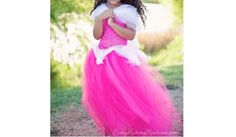 Baby Making Machine shows how you can make this adorable princess tutu dress, without having to sew a stitch. You can make one from a crocheted tube top (or wide headband) and lots and lots of tul…