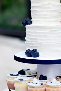 Combed Icing Wedding Cake With Blue Flowers, Jen Lynne Photography, bumbleberries
